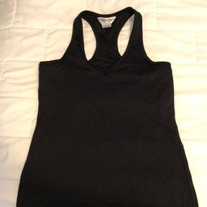 Hard tail fitted athletic tank top